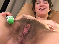 Fucking on the first date is on the menu with curvy Latina Bianca. Be amazed as she works her soft natural body and fucks herself deep with a pool toy. video