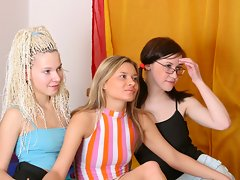 Lovely hot Anita invites her friends to studyvideo