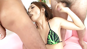 Yuu Shiraishi loves gobbling on two hard dicksvideo