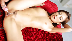 Sultry Yui Hatano goes bottom to take a green buzzer up her trimmed flowervideo