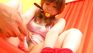 Bondaged Asian cutie Miku Airi gets her pussy stimulated with a vibratorvideo
